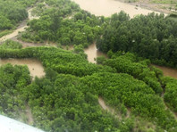 Самарские единороссы передали церкви пожертвования, собранные для пострадавших от паводка