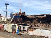 На заводе под Волгоградом взорвалась баржа, повредившая Керченский мост: трое погибших (ВИДЕО)
