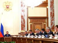 Вместе с рейтингом одобрения Путина падали и соответствующие рейтинги правительства РФ и лично премьер-министра Дмитрий Медведева. Но 2-8 июля, по данным ВЦИОМ они тоже чуть подросли: до 38% (+1,7 п.п. ) и 31,2% (+1,7 п.п.) соответственно