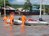 В затопленном Забайкалье начались конфликты жителей с властью: в Чите дачники не дали спасти отпаводка дом экс-мэра