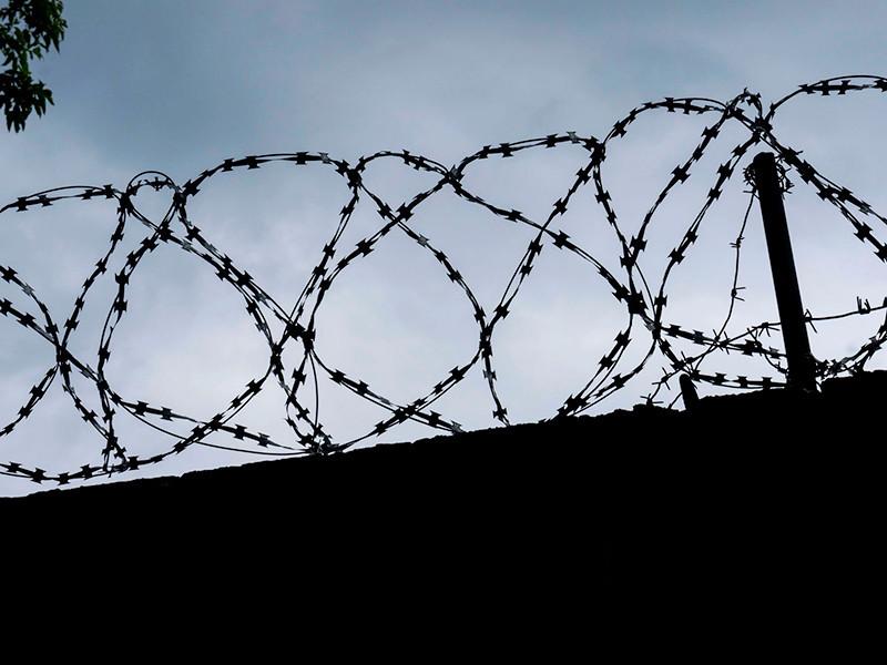 Замглавы Федеральной службы исполнения наказаний Валерий Максименко принес извинения за пытки заключенного Евгения Макарова в ярославской колонии и объявил, что ему стыдно за сотрудников ведомства