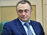 СМИ сообщили о возвращении сенатора Керимова в Москву из Франции