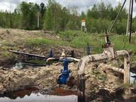 """Изношенность нефтепроводов, составляющие части которых не спешат менять в компании """"Роснефть"""", приводит к прорывам ржавых труб, заливу нефтью обширных территории и экологической катастрофе"""