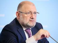 Министр Умаров заявил, что такое распоряжение было бы противозаконно. Но при этом признал, что в Чечне практикуют многоженство и власти смотрят на это сквозь пальцы