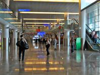 В Шереметьево пассажирам предложили самим переносить багаж между терминалами из-за сбоя системы транспортировки