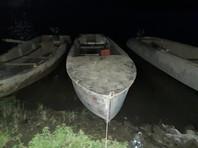 """По данным следователей, местный житель 1991 года рождения, находясь в состоянии наркотического опьянения, взял у знакомого лодку типа """"Южанка"""", посадил в нее девятерых детей и отправился с ними на противоположный берег реки"""