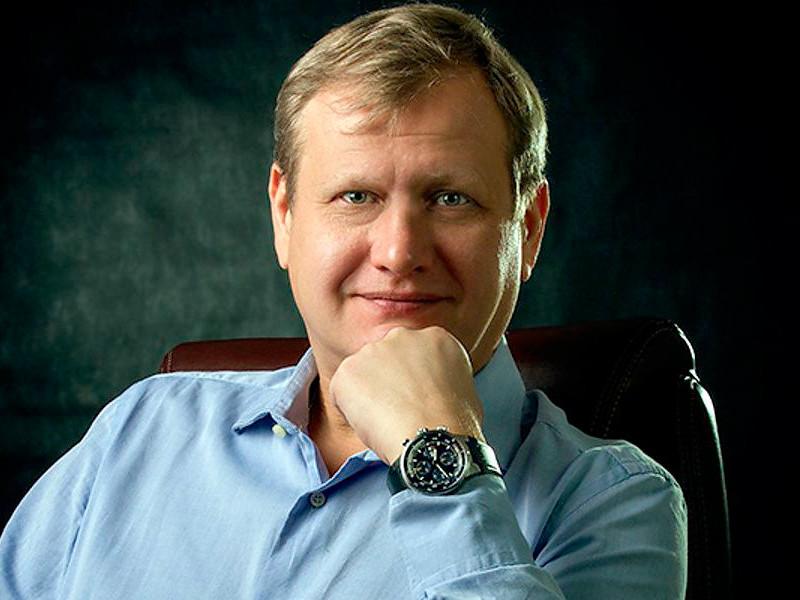 Александр Бурдин