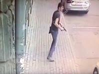 В Москве обстреляли полицейских у посольства Камбоджи из травмата, нападавший ранен ответным огнем