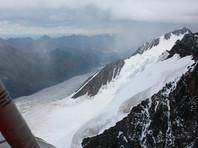 Застрявшие на вершине в горах Алтая туристы спасены