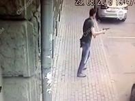 МВД поставили в тупик мотивы стрелка, ранившего полицейского в центре Москвы. Появилось ВИДЕО перестрелки