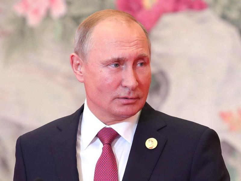 Среди россиян снижается доля поддерживающих внешнюю политику президента страны Владимира Путина. Социологи связывают это с усталостью от внешнеполитической повестки и желанием помогать себе, а не другим государствам