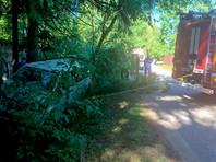 В Подмосковье автобус с детьми упал в кювет и перевернулся из-за внезапной смерти водителя. Пострадали шестеро
