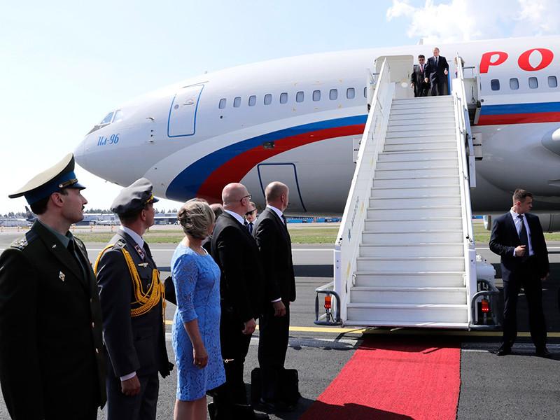 Президент РФ Владимир Путин получил приглашение на свадьбу главы МИД Австрии Карин Кнайсль и Вольфганга Майлингера во время своего последнего визита в Вену