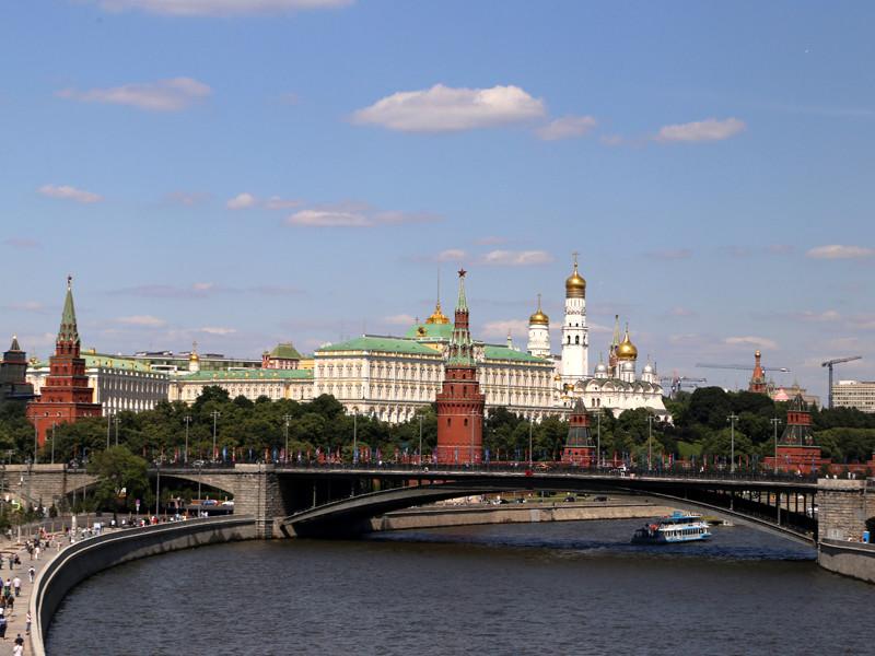 Пресс-служба Кремля сообщила о телефонном разговоре, состоявшемся в пятницу, 10 августа, между президентом России Владимиром Путиным и его французским коллегой Эмманюэлем Макроном