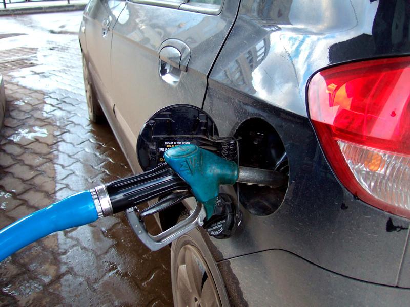 Правительство повысит акцизы на бензин с 1 января 2019 года