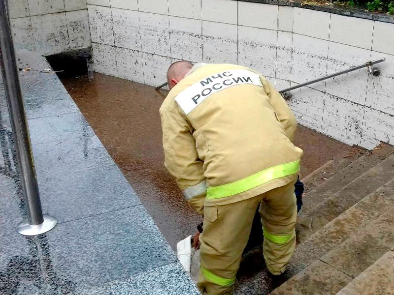 В Крыму не утихает стихия, на всей территории полуострова до 9 сентября действует штормовое предупреждение