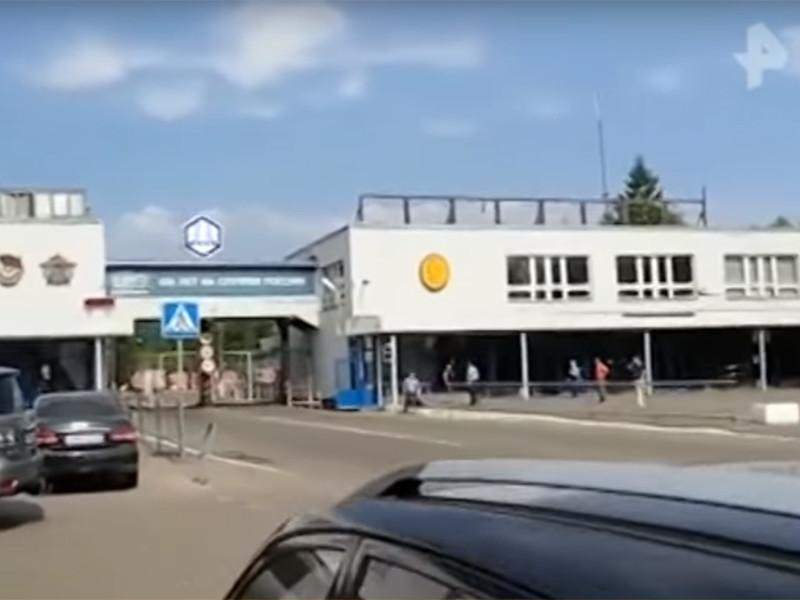 В Дзержинске при разборе завалов после взрыва, прогремевшего 31 августа на оборонном заводе имени Свердлова, найдены тела еще двух человек. Таким образом, число жертв возросло до пяти человек