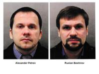 Накануне были названы фамилии россиян - Александр Петров и Руслан Боширов. В Скотланд-Ярде подчеркнули, что эти имена не настоящие. Сообщалось, что подозреваемые являются офицерами ГРУ