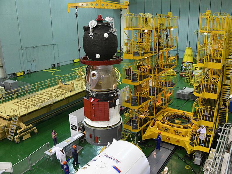 """В ракетно-космической корпорации """"Энергия"""" пообещали проверить все корабли """"Союз"""" и """"Прогресс"""", которые находятся на Байконуре и в подмосковном Королеве"""