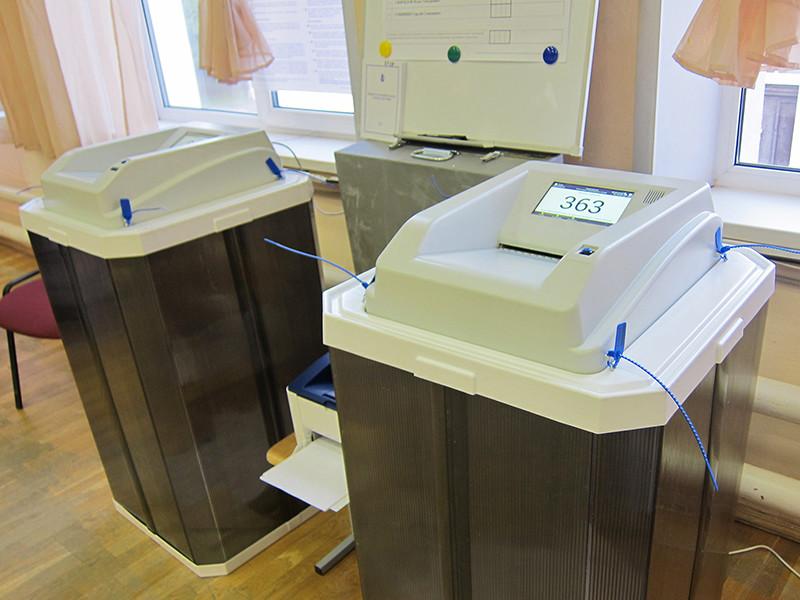 Избирательная комиссия Приморского края на заседании в четверг отменила результаты выборов второго тура губернатора по рекомендации Центризбиркома