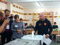 Джефф Монсон на избирательном участке, 9 сентября 2018 года