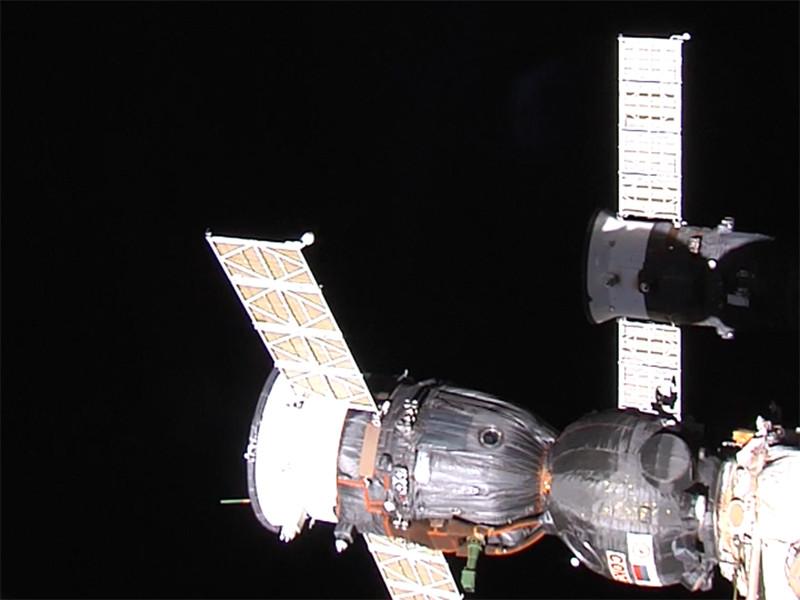 """После того, как выяснилось, что утечка воздуха на Международной космической станции (МКС) произошла из-за лишнего отверстия от сверла, ракетно-космическая корпорация """"Энергия"""" проверит все корабли """"Союз"""" и """"Прогресс"""", которые находятся на Байконуре и в подмосковном Королеве"""