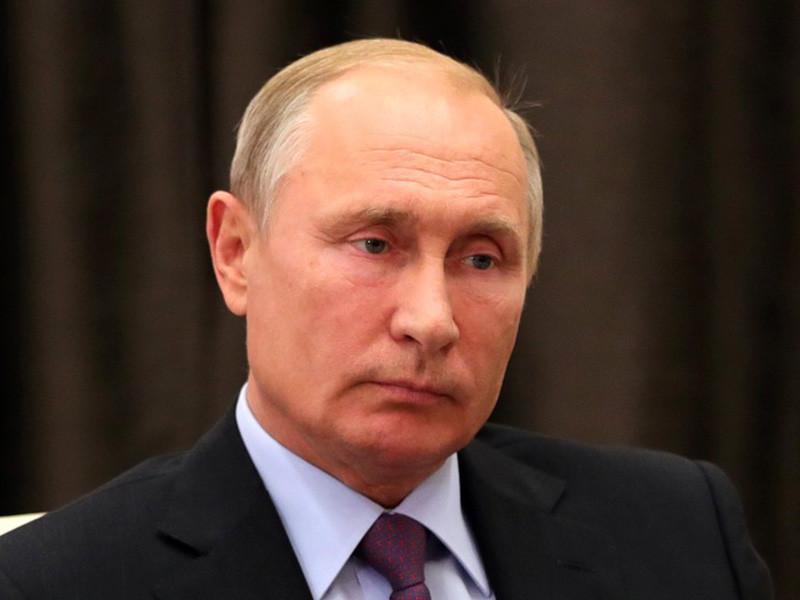 """Рейтинг доверия президенту России Владимиру Путину в сентябре 2018 года снизился до 58%, вернувшись к """"докрымскому"""" уровню"""