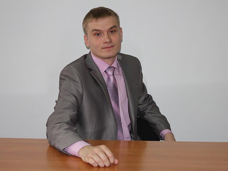 """Коммунист Валентин Коновалов подтвердил агентству, что намерен участвовать в выборах. """"Мы неоднократно заявляли, что сниматься [с выборов] мы не будем. Избиратели верят в нас, мы их не подведем"""", - подчеркнул он"""