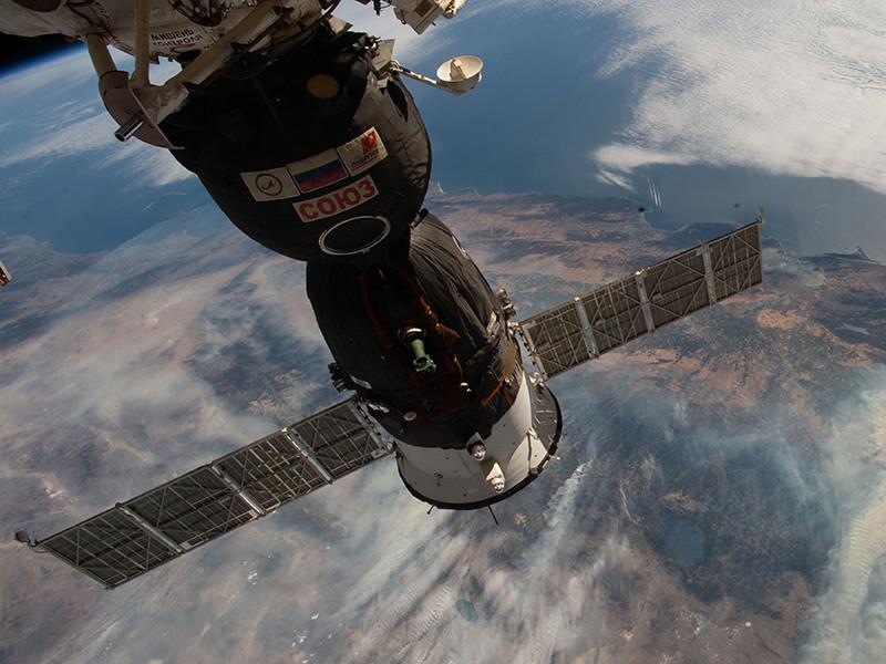 """Роскосмос рассматривает версию повреждения """"Союза МС-09"""" в космосе """"кем-то из членов экипажа"""""""