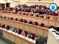 """В саратовской думе одобрили предложение по прожиточному минимуму уволенной за высказывания про """"макарошки"""" Соколовой"""
