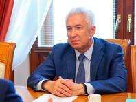 Глава Дагестана Владимир Васильев сообщил, что высокопоставленные чиновники оформляли медицинские страховки и списывали деньги по линии Фонда обязательного медицинского страхования (ФОМС) на жителей республики, уехавших воевать на стороне боевиков в Сирию
