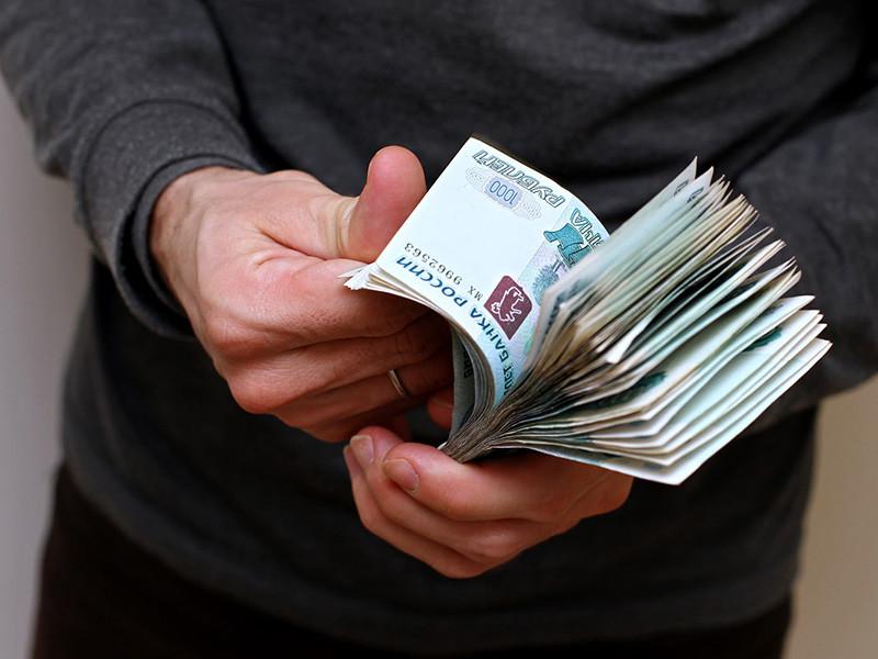 Граждане РФ в ходе опроса, проведенного рекрутинговым порталом Superjob, в среднем хотели бы получать на пенсии по 37,3 тыс. рублей в месяц