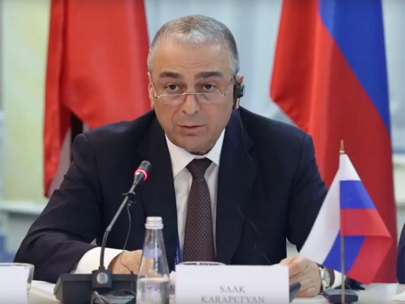 Заместитель генерального прокурора России Саак Карапетян, по предварительным данным, погиб в результате крушения вертолета AS-350 в Костромской области