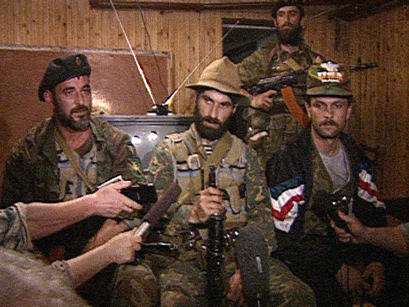 14 июня 1995 года группа чеченских террористов численностью около 200 человек, возглавляемая Шамилем Басаевым, прибыла на автомобилях в город Буденновск и, фактически, захватила город