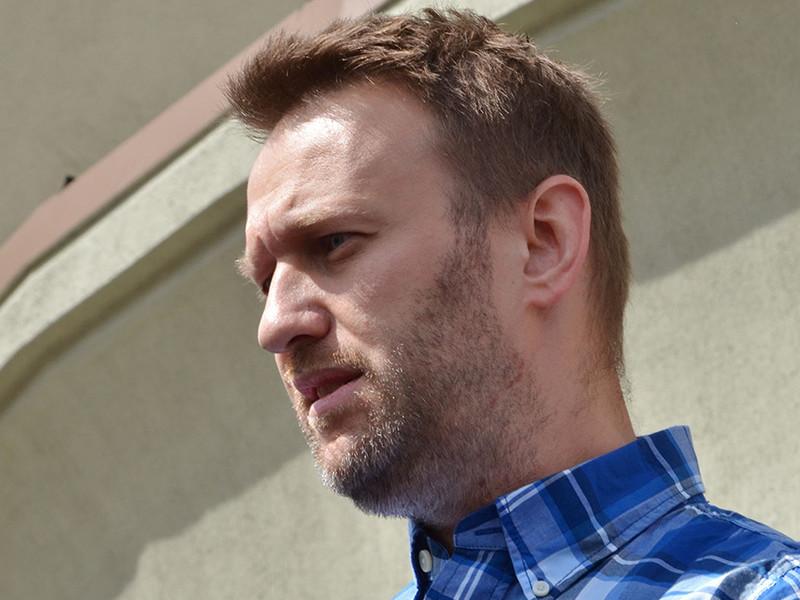"""Оппозиционер Алексей Навальный, которого утром 13 ноября пограничники не выпустили из России на основании некоего """"распоряжения УФССП"""", выяснил, что запрет на его выезд компоновался """"на коленке"""""""