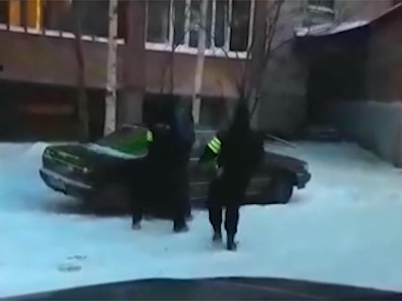 ФСБ задержала жительницу Томской области за перевод мужьям - боевикам ИГ* миллиона рублей