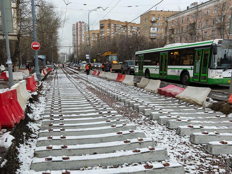 Московский штаб оппозиционера Алексея Навального опубликовал расследование о махинациях на рынке ремонта столичных трамвайных путей