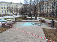 В Сыктывкаре судят местного жителя, обвиняемого в повреждении памятника  рублю