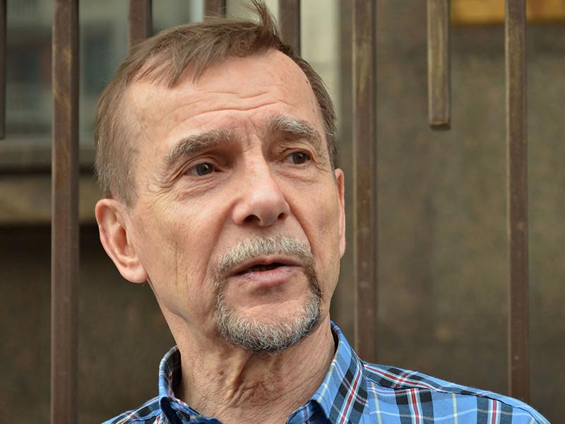 """Правозащитник Лев Пономарев получил 25 суток ареста за призыв поддержать фигурантов дел """"Нового величия"""" и """"Сети"""""""