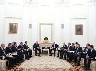 Открывая встречу, Путин, анонсировал обсуждение спорных вопросов в области энергетики