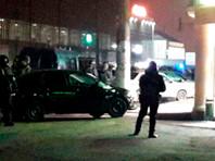 """Напомним, речь идет об инциденте возле торгового центра """"Ковчег"""" 12 декабря. Согласно пресс-релизу МВД Ингушетии, во время задержания подозреваемых один из них бросил гранату в сотрудников правоохранительных органов"""