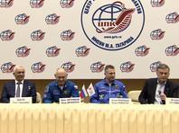 Об этом, а также о своем видении причины вовремя замеченной утечки воздуха, он вместе с коллегой Сергеем Прокопьевым рассказал на послеполетной пресс-конференции в Центре подготовки космонавтов