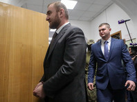 Рауф Арашуков был задержан 30 января в ходе пленарного заседания Совета Федерации после выступления генпрокурора Юрия Чайки с представлением о даче согласия на снятие с сенатора неприкосновенности и взятие его под стражу