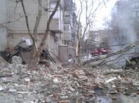 В оперативном штабе уточнили, что семь человек из проживавших в разрушенных квартирах из них спасены, один погиб. По предварительным данным, жертвой ЧП стала одна женщина
