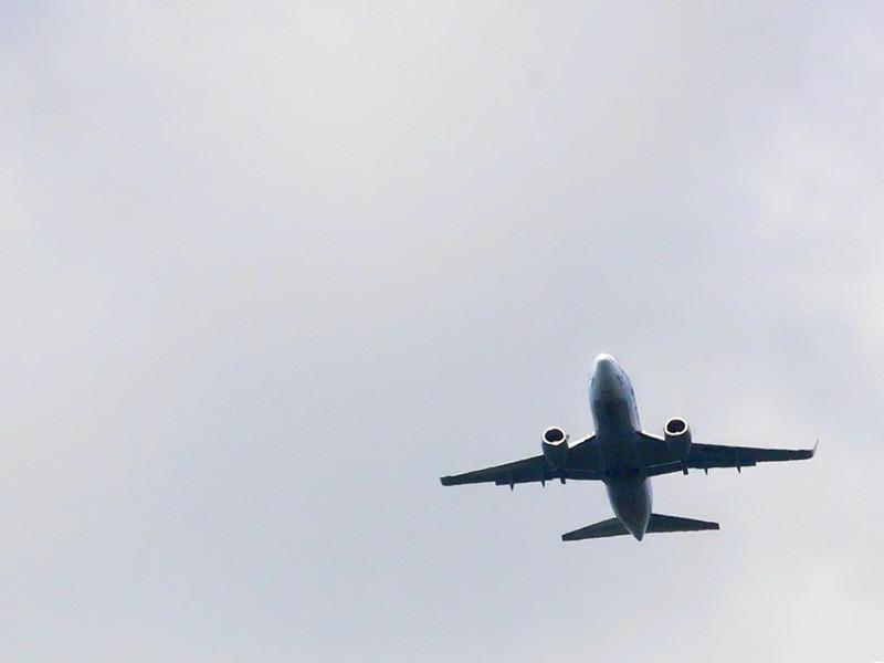 Пассажир авиарейса Сургут - Москва во время полета потребовал направить лайнер в Афганистан