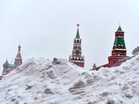 По данным синоптиков, начавшийся накануне мощный снегопад в Москве продлится до утра понедельника, 28 января. В воскресенье сохранится сильный ветер, на дорогах - гололедица и снежные заносы. Днем температура воздуха составит минус 5 градусов