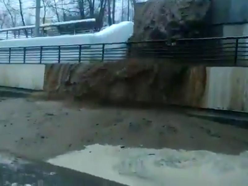 В Москве заблокировано движение по Волоколамскому шоссе из-за затопления Тушинского тоннеля
