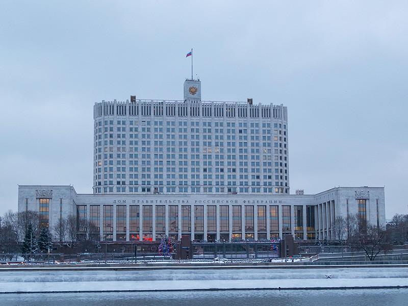 Правительство РФ поддержало все четыре законопроекта сенатора Андрея Клишаса о наказании за фейковые новости и неуважение к власти - два базовых и два сопутствующим документа