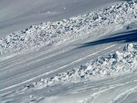 Два человека погибли при сходе лавины на закрытой трассе в горах Сочи
