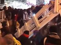 В московском Парке Горького обрушился мост. Пострадали 13 человек (ВИДЕО)